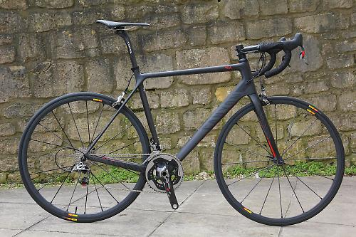 Canyon Ultimate CF SLX - full bike.jpg