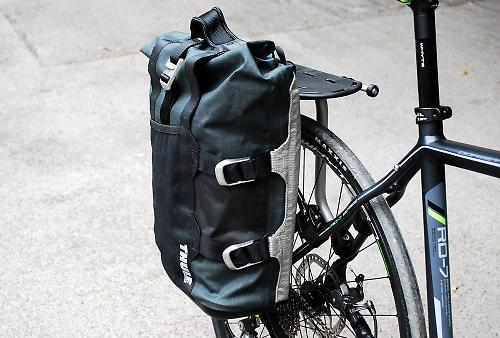 Review  Thule Pack  n Pedal Commuter pannier  f02690e5f