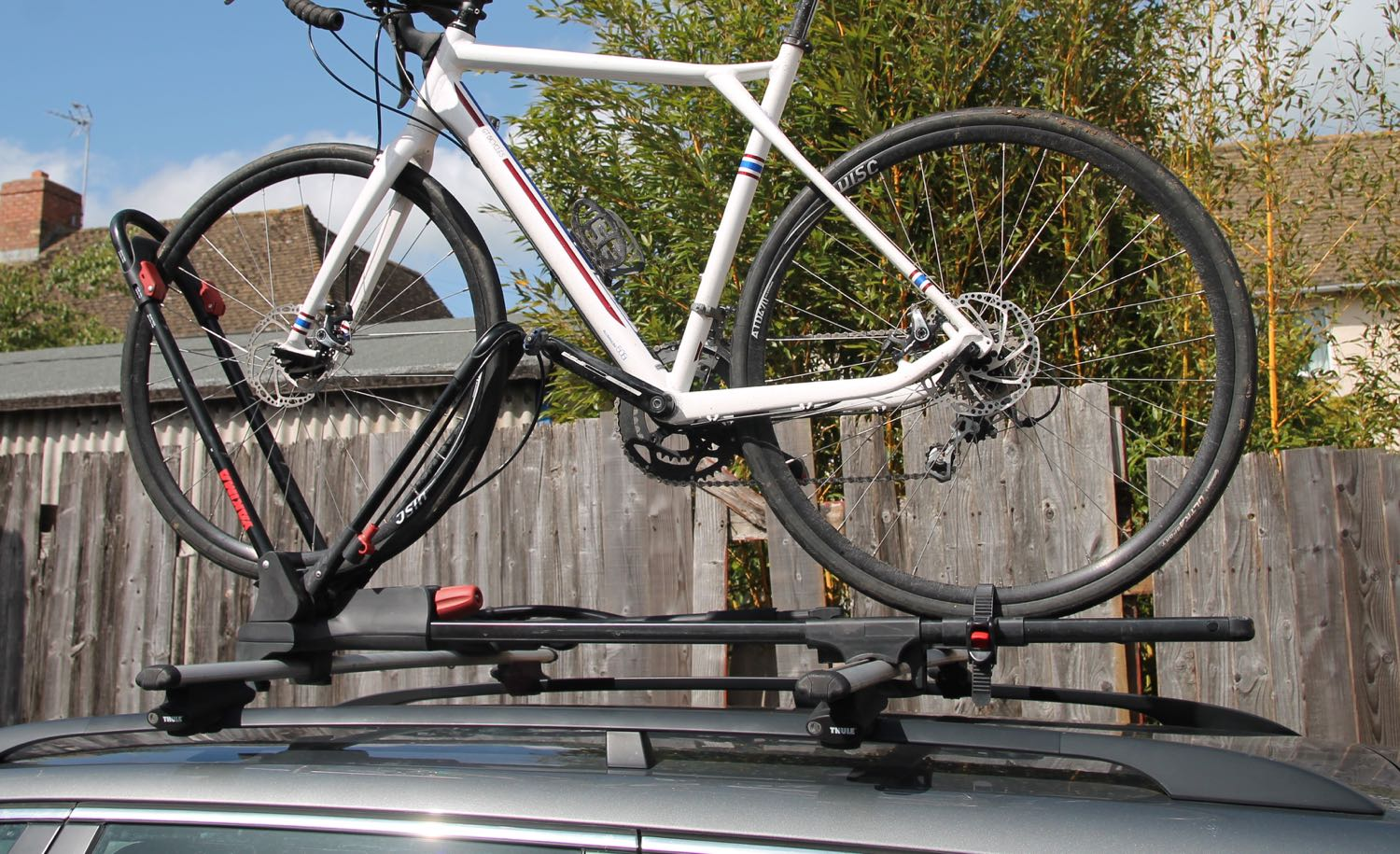 The Yakima Frontloader Bike Carrier Is Really Easy To Use Holding Bicycle Securely By Front Wheel And Avoiding Potential Frame Damage