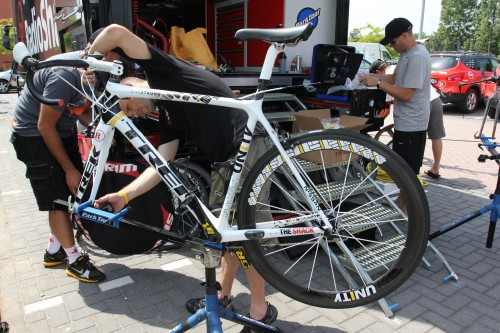SRAM%20Red%20Yellow%20ltd%20-%20Lance%20Armstrong's%20bike.preview_500.jpg