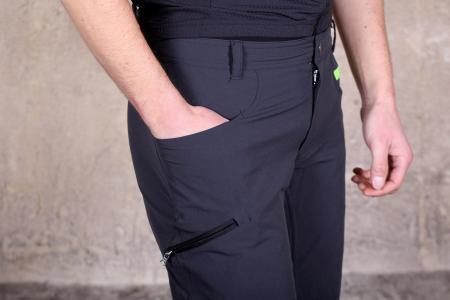 Sportful Giara Over Shorts - pocket 3.jpg