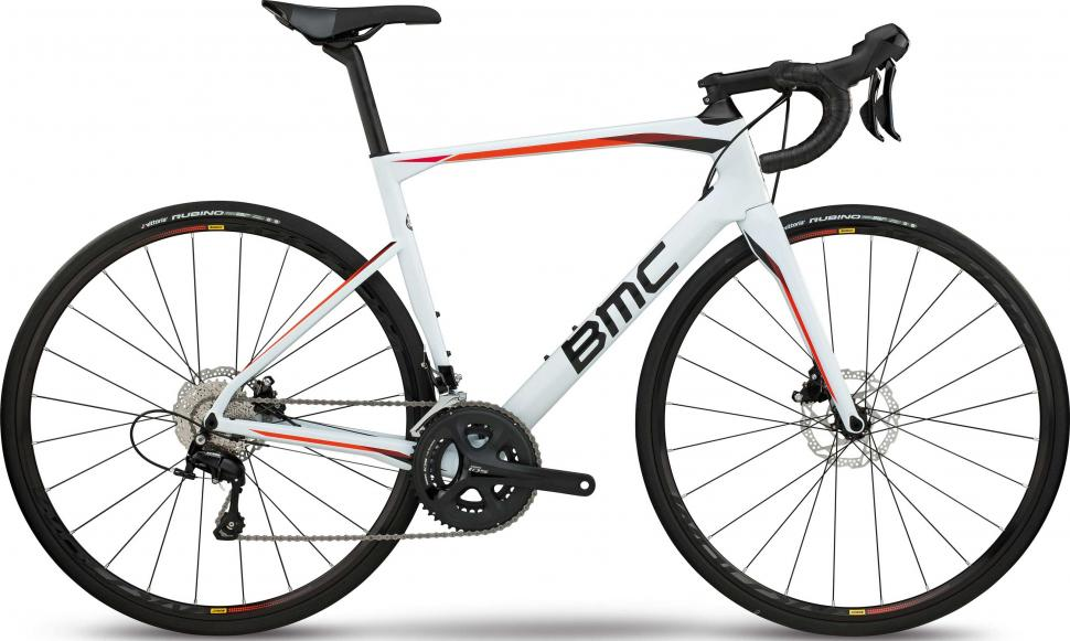 2018 bmc roadmachine 02 three.jpg
