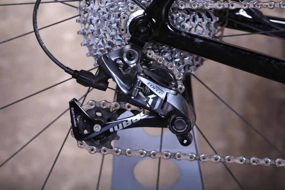 3T Exploro LTD - rear mech.jpg