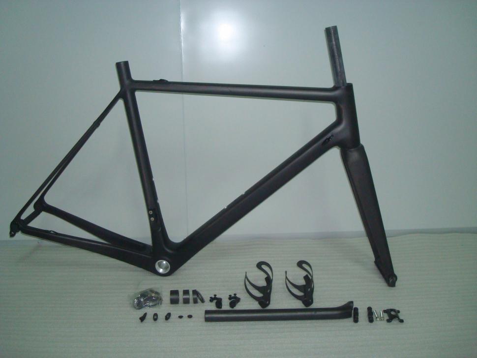 For Sale Hong Fu Fm066 Sl Frame And Fork 375 00 Road Cc