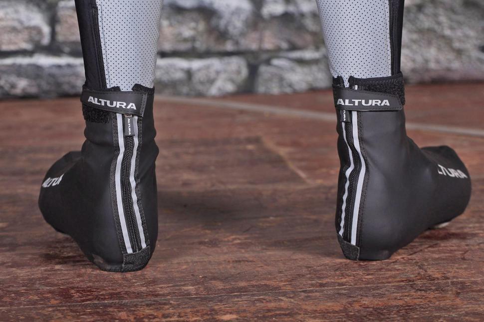 Altura Etape II Overshoe - heels.jpg