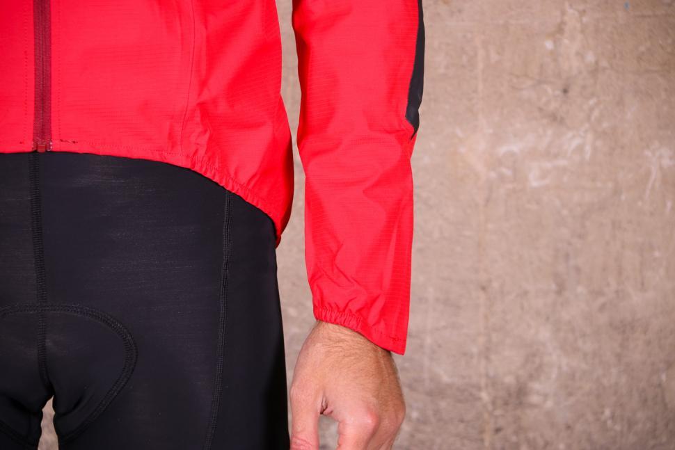 Altura Nightvision Waterproof Jacket Team Red - cuff.jpg