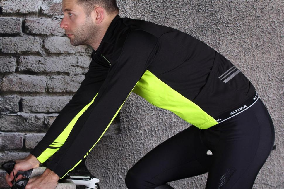 Altura Podium Elite Thermo Long sleeve Jersey - riding.jpg