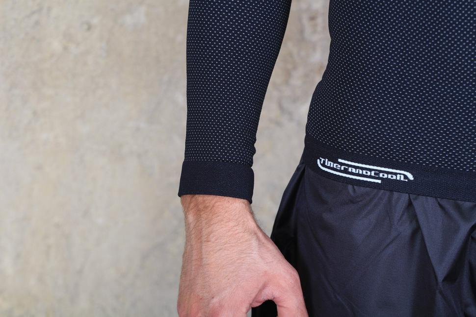 Altura Thermocool Long Sleeve Base Layer - cuff.jpg