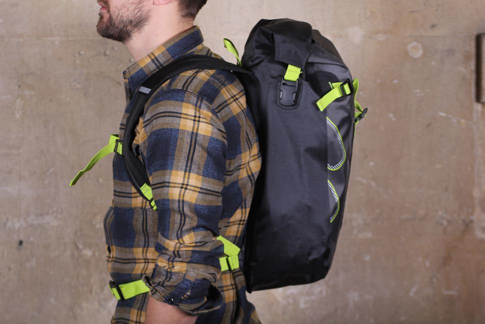 Altura Vortex 25 Waterproof Backpack - side.jpg