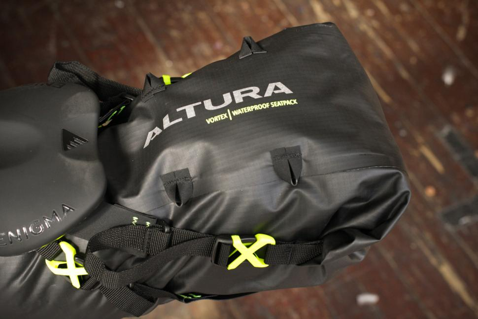 Altura Vortex Seatpack - top.jpg