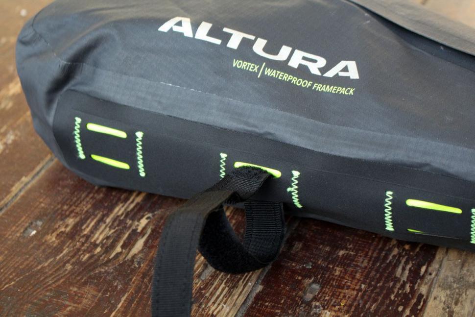 Altura Vortex Waterproof Framepack - strap-detail.jpg