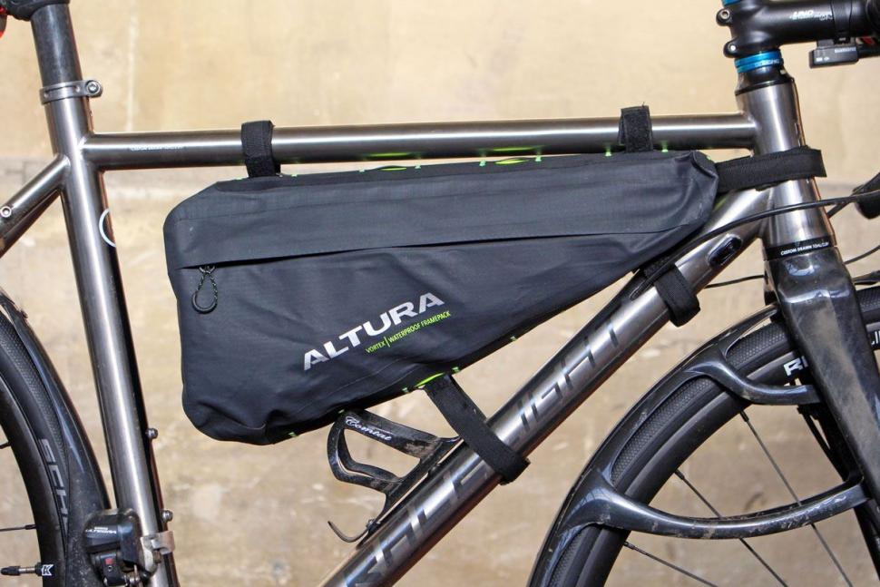 Review Altura Vortex Waterproof Framepack Road Cc