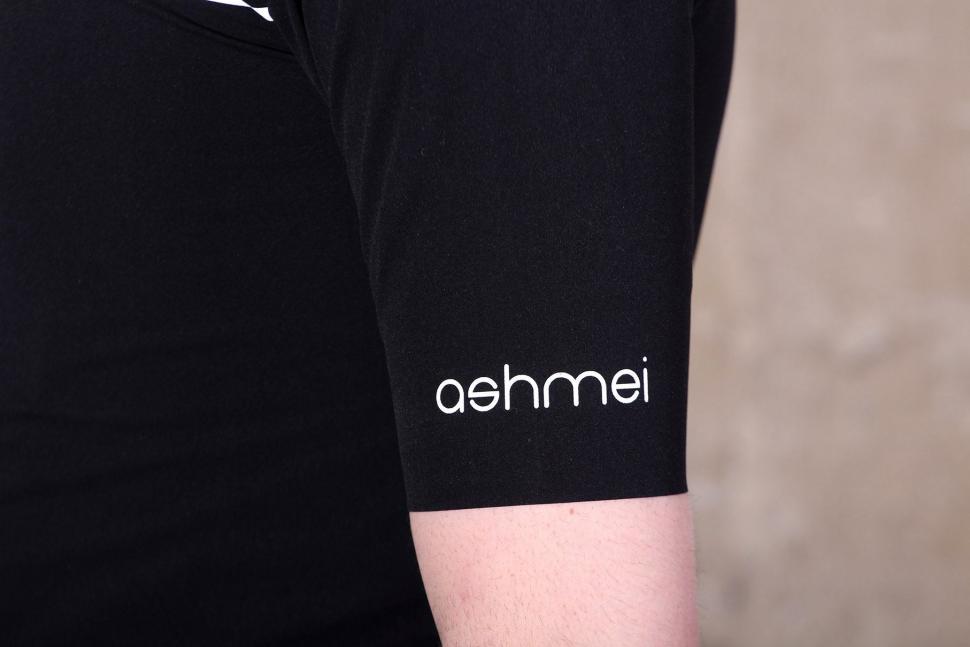 Ashmei 3 Season Jersey - sleeve.jpg