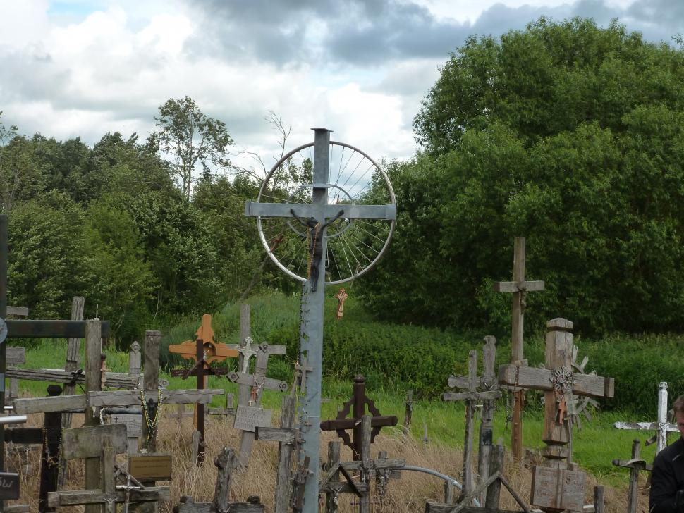 Baltics - Hill of crosses2.JPG