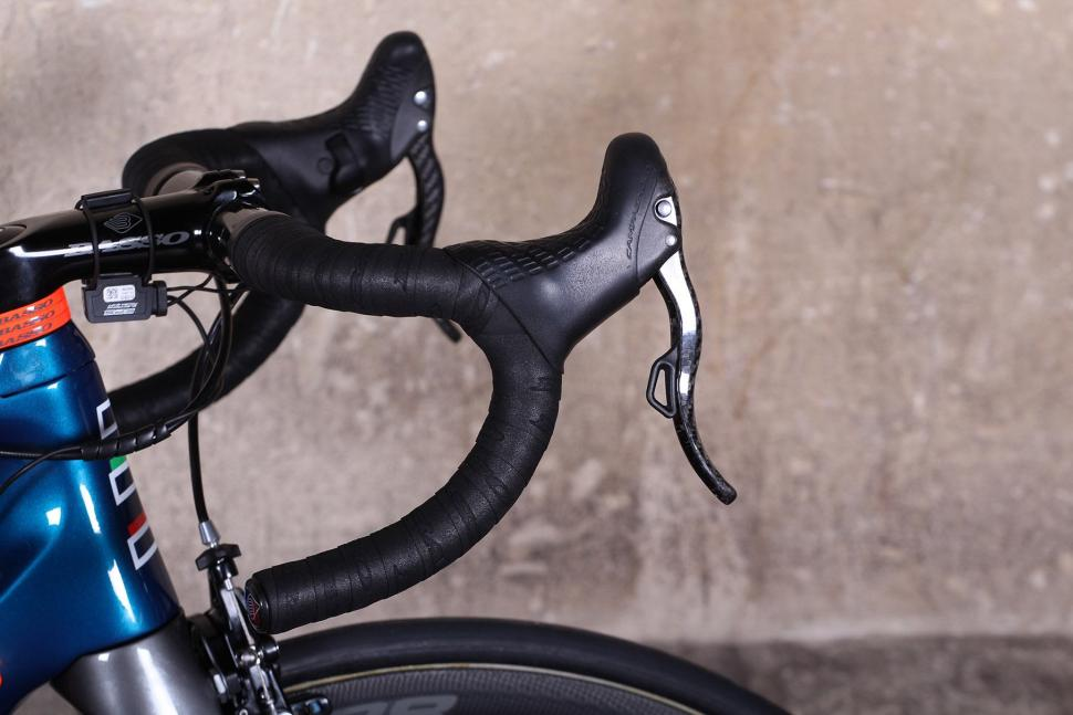 Basso Diamante SV - bar and shifter.jpg