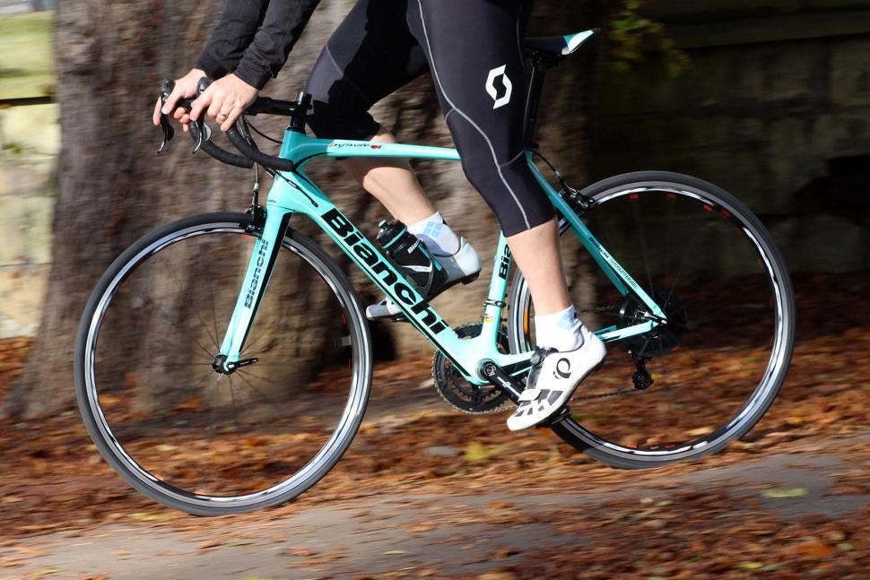 Bianchi Infinito CV Potenza - riding 2.jpg