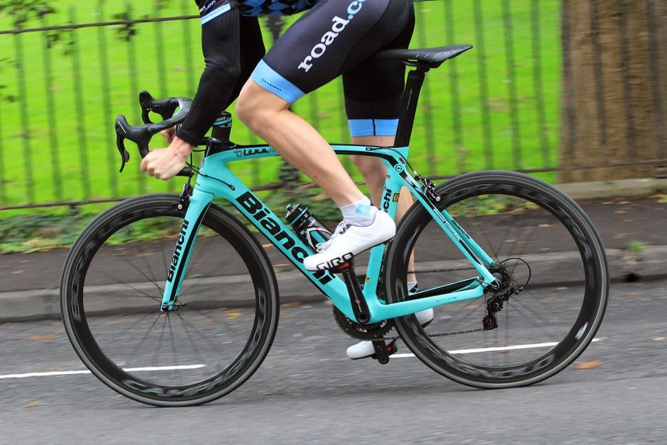 Bianchi Oltre XR4 - riding 3.jpg