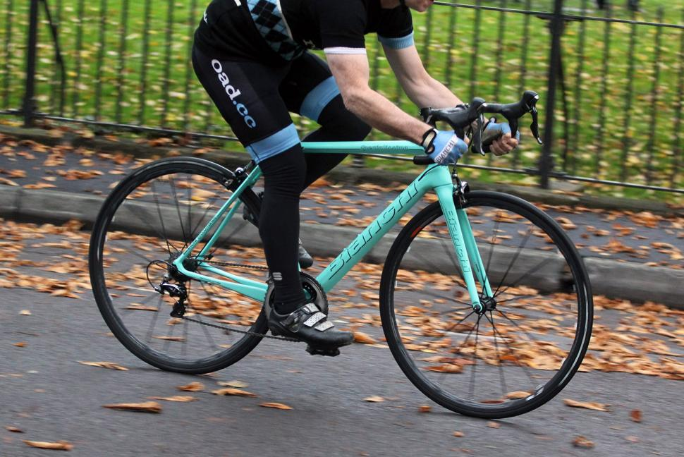 Bianchi Specialissima - riding 3.jpg