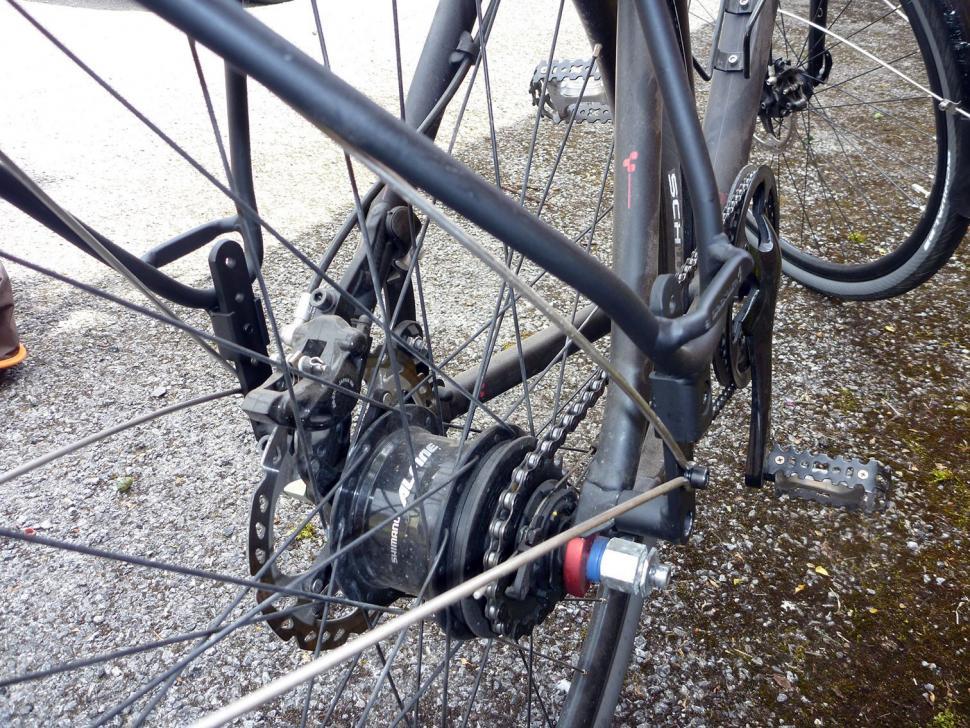 Blackburn Central Rear Rack Mount Detail Jpg