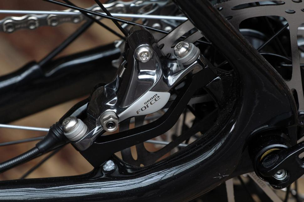 Boardman CXR 9.4 - rear disc detail.jpg
