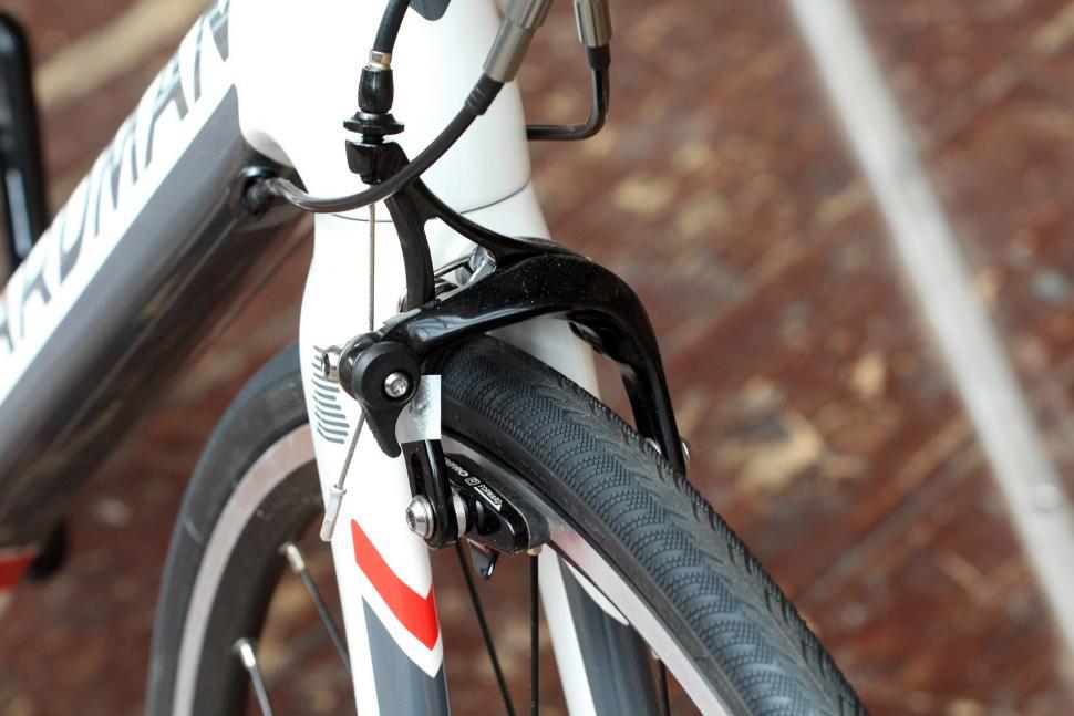 Boardman Road Team Carbon - front brake.jpg