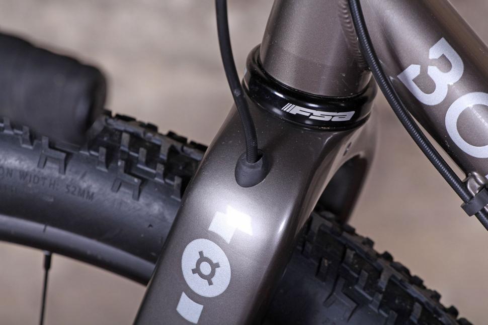 Bombtrack Hook EXT - fork cabling.jpg