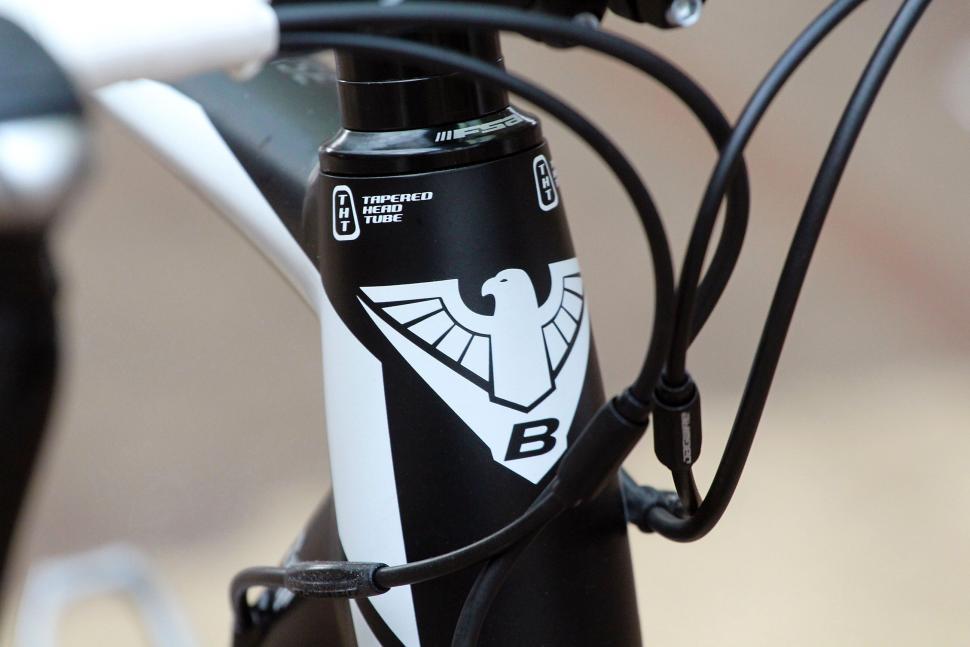 Bottecchia Reparto Corse Duello - head tube badge.jpg