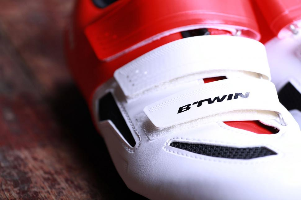 BTwin 500 Road Cycling Shoes - strap.jpg