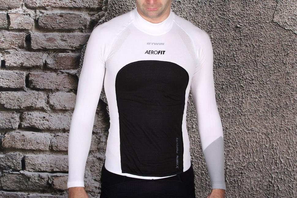 BTwin Aerofit Windproof Long Sleeve Cycling Baselayer.jpg