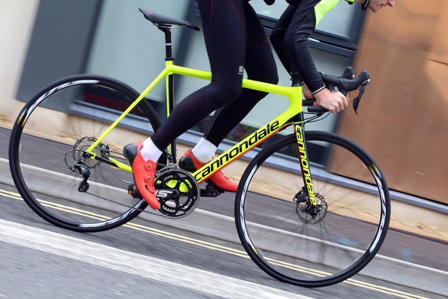 cannondale-supersix-evo-disc-ultegra-riding-1.jpg