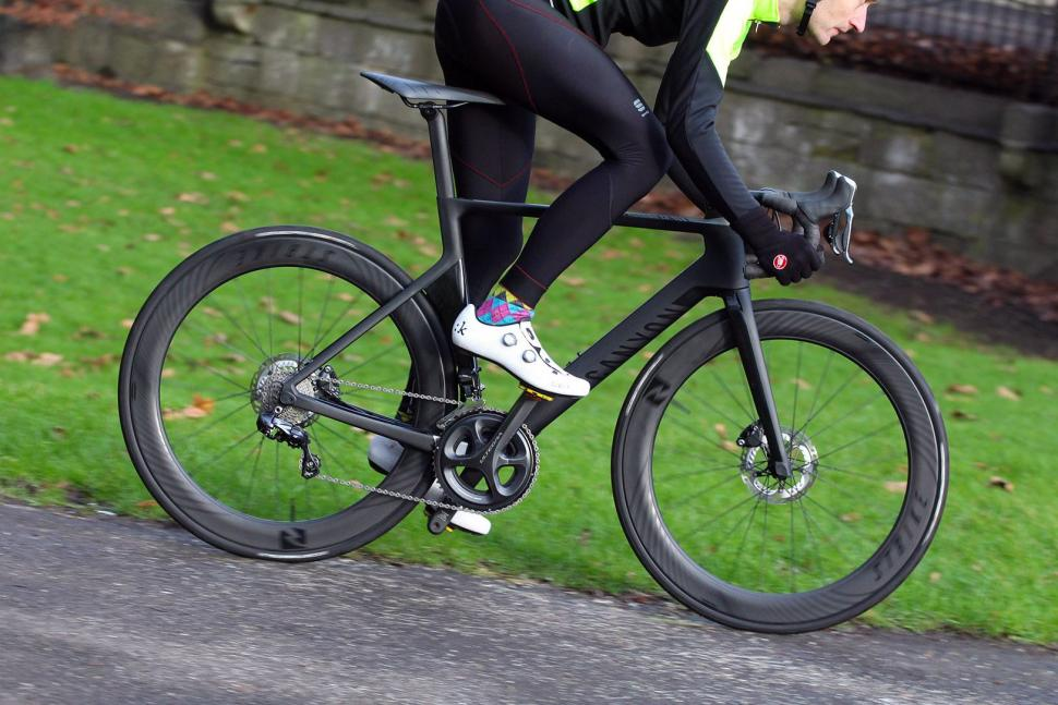 Review Canyon Aeroad Cf Slx Disc 8 0 Di2 Road Cc