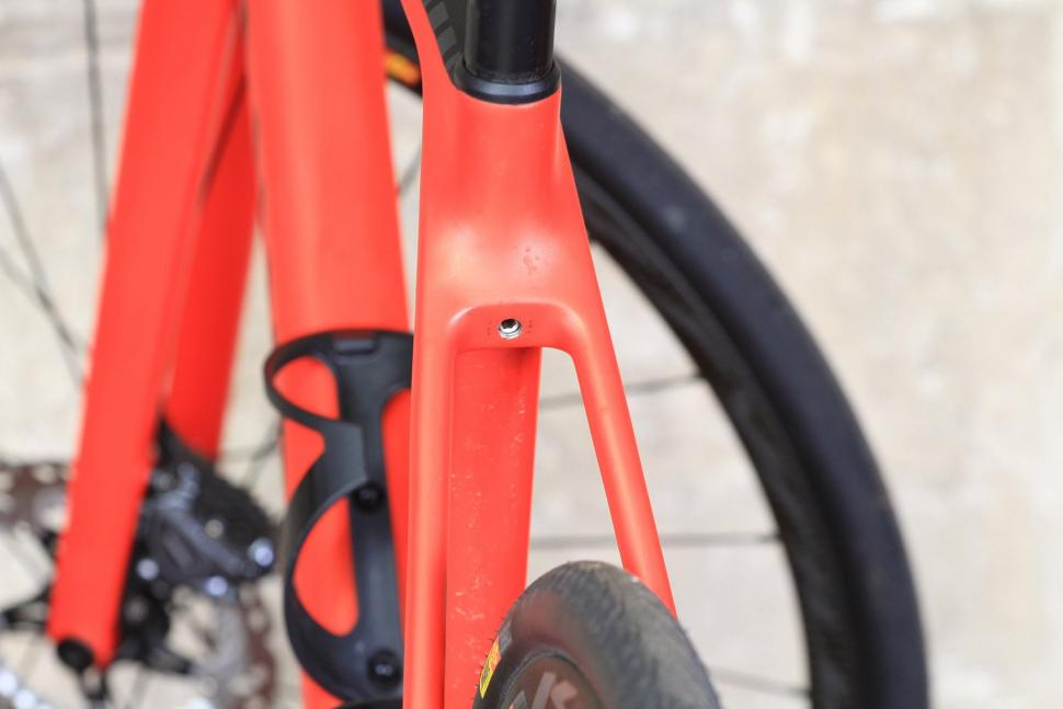 Canyon Endurace CF SLX - seat post bolt.jpg