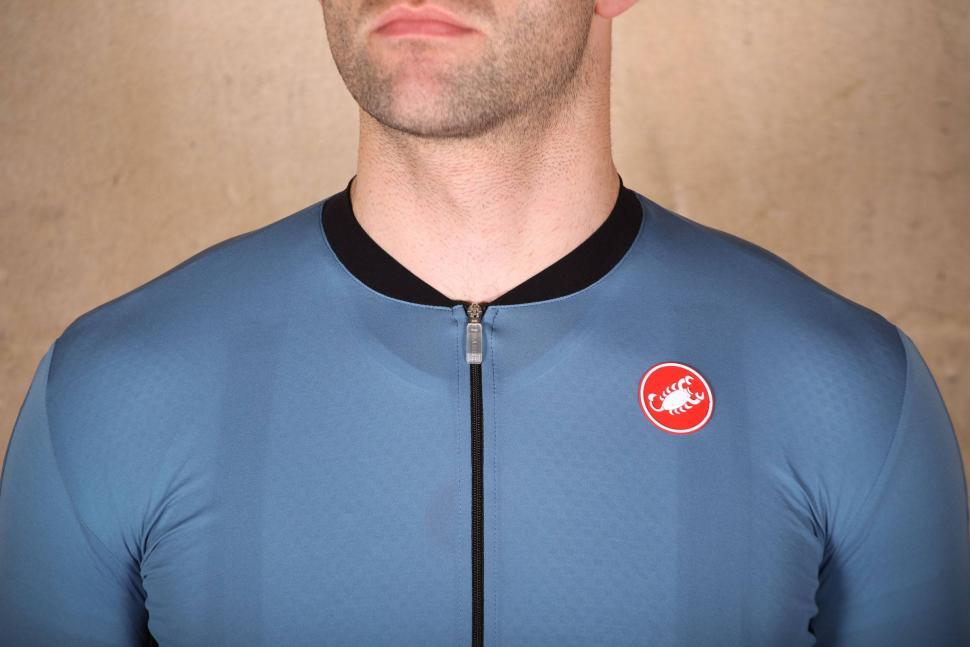Castelli RS Superleggera Jersey - collar.jpg