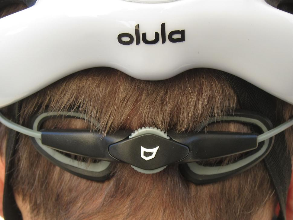 Catlike Olula Helmet - Retention Clasp.jpg