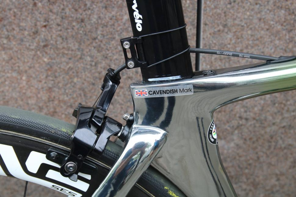Tour Tech Mark Cavendish S Cervelo S5 With An F1 Paint