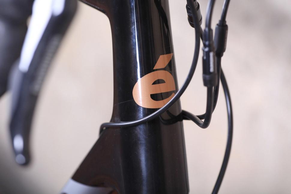 Cervelo C5 - head tube badge.jpg