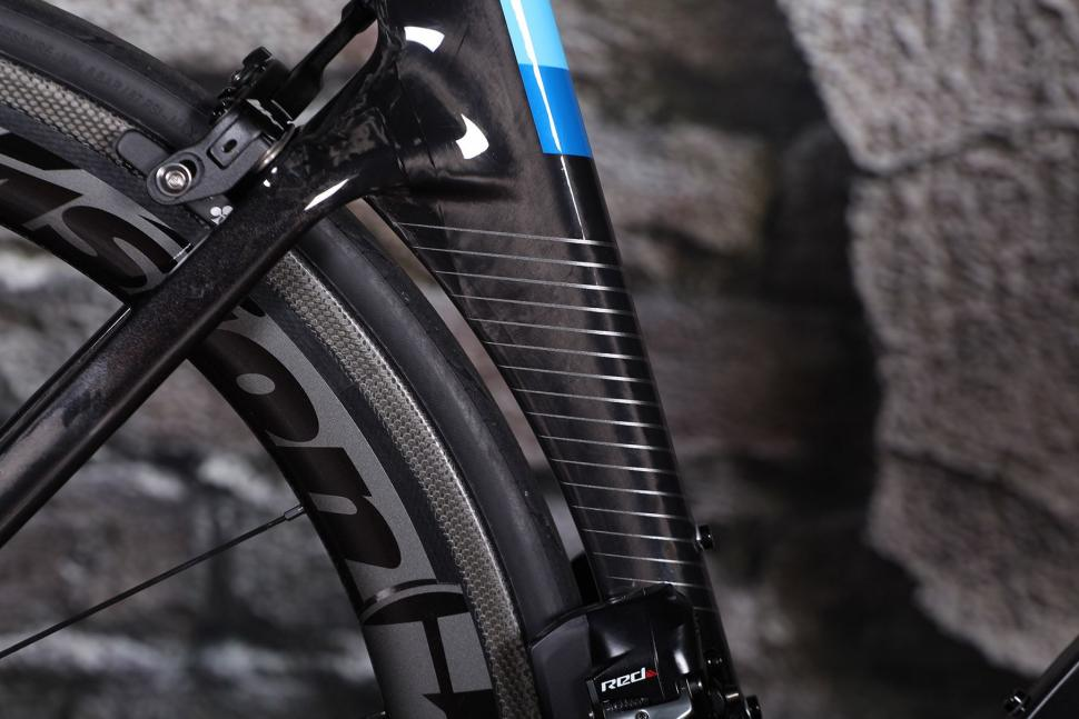 Colnago Concept - seat tube shape.jpg
