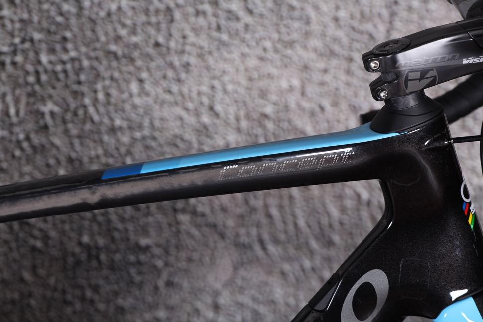 Colnago Concept - top tube decal.jpg