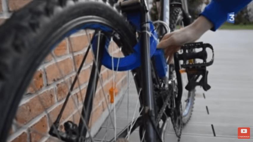 Contactless bike lock - image via Hauts-de-France YouTube.PNG