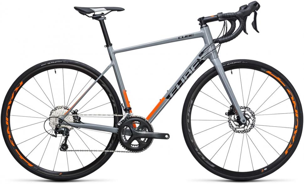 cube-attain-race-disc-2017-road-bike.jpg