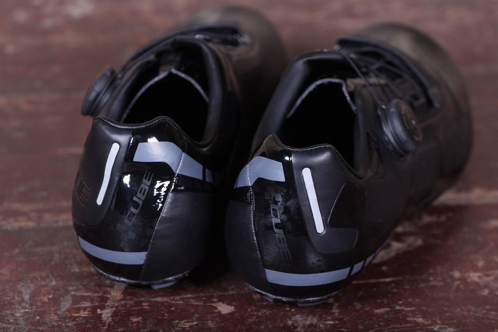 Cube Road C62 shoes - heels.jpg