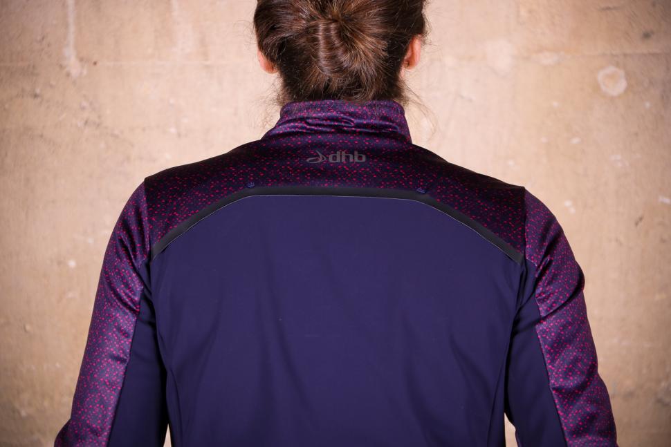 dhb Aeron Women's Full Protection Softshell - shoulders.jpg