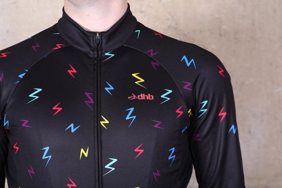 dhb Blok Long Sleeve Jersey - Bolt - chest.jpg