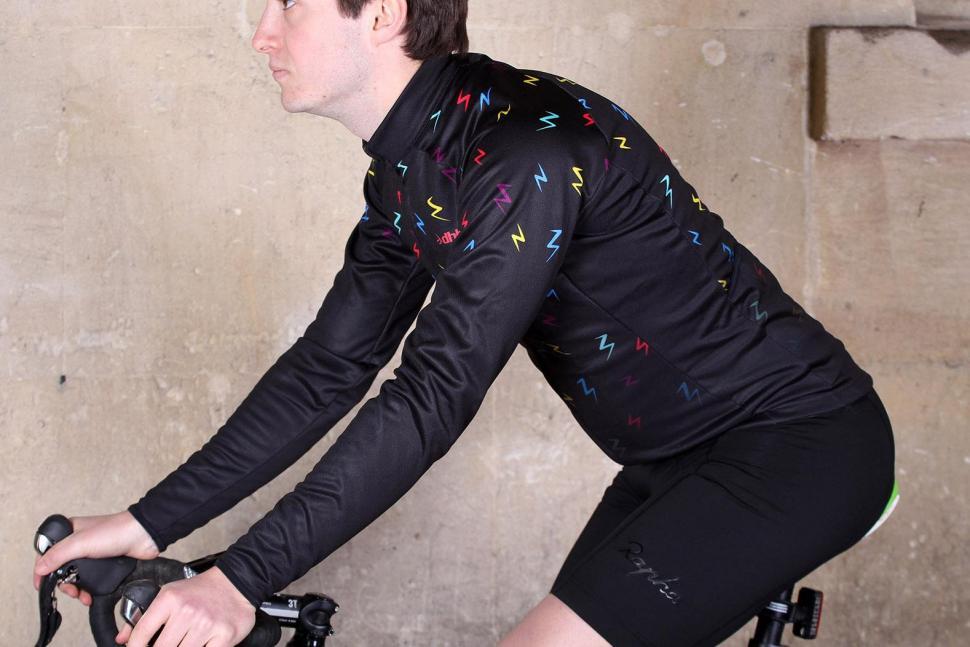 dhb Blok Long Sleeve Jersey - Bolt - riding.jpg