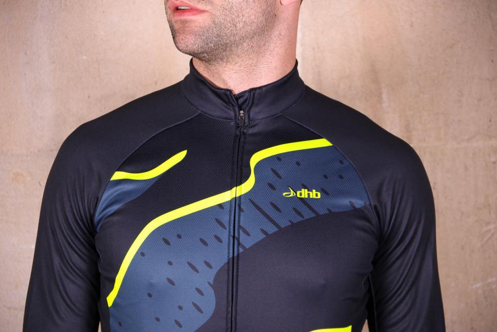 dhb Blok Thermal Long Sleeve Jersey - chest.jpg