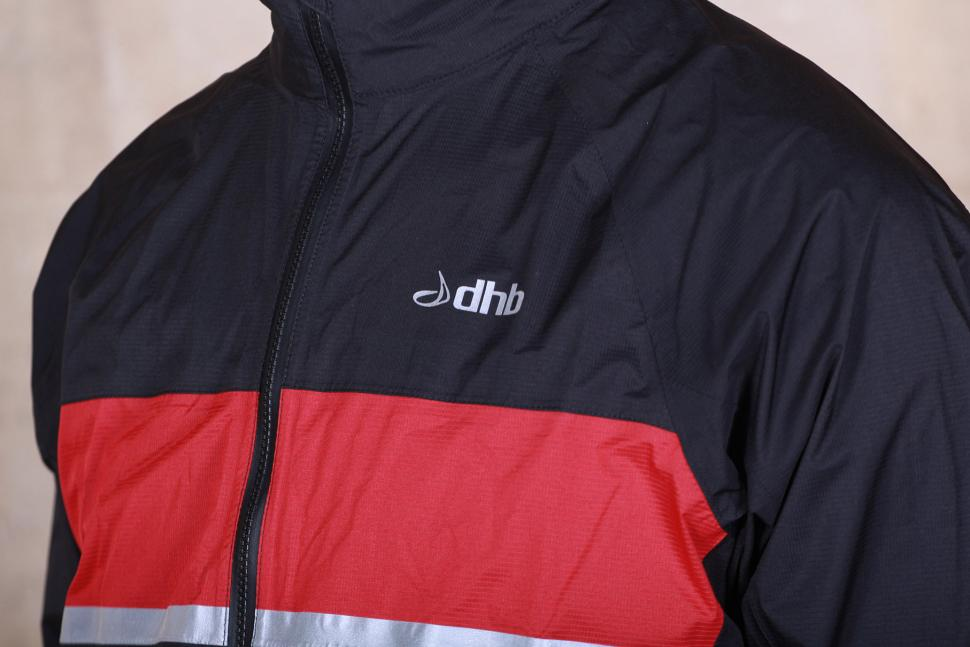 dhb Classic Rain Shell Jacket - chest.jpg