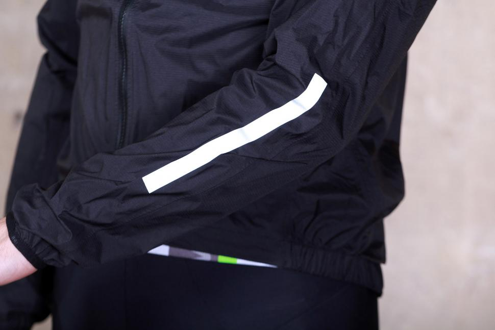 dhb Classic Rain Shell Jacket - sleeve detail.jpg