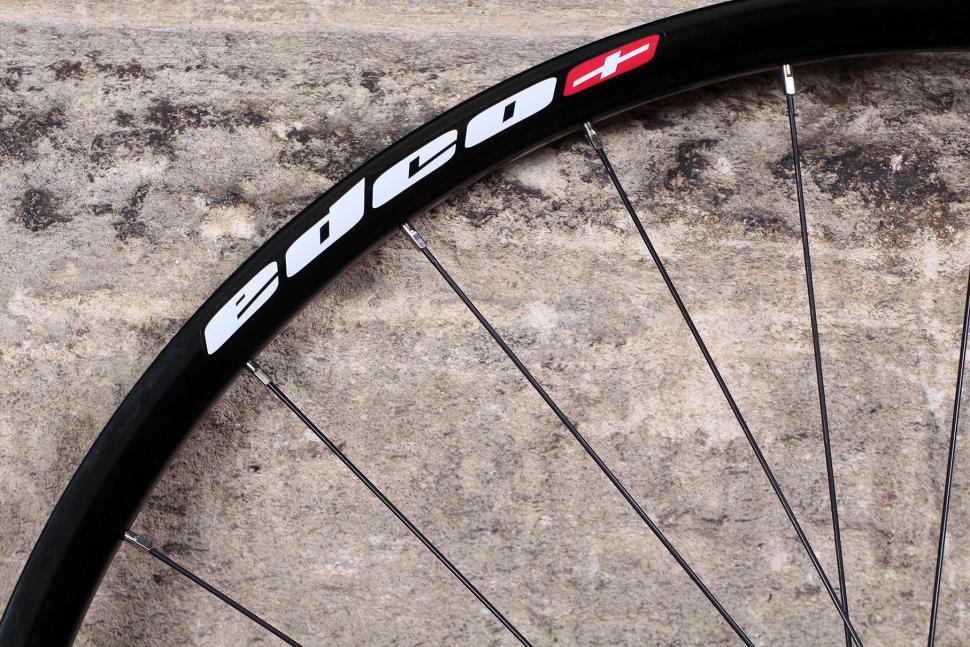 Edco Roches Disc Brake Tubeless Ready wheelset - rim .jpg