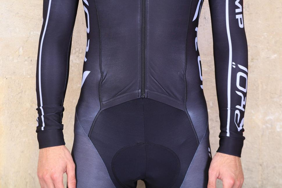 Ekoi Thermal Ekoi Suit Aerocomp - front waist.jpg