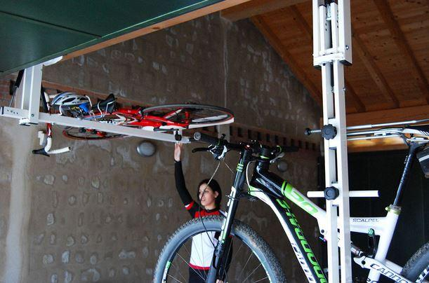 got a garage flat bike lift lets you store bikes under. Black Bedroom Furniture Sets. Home Design Ideas